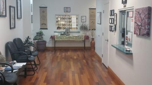acupuncture-massage-college-tour-lobby