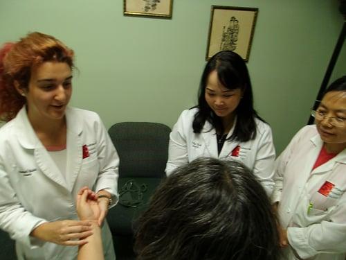 happy-acupuncture-school-students-miami-florida