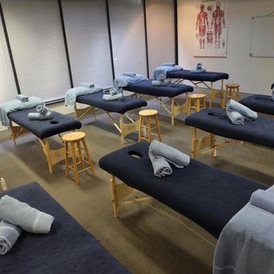 massage-school-classroom