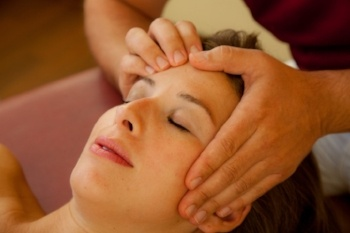 western-therapies-shiatsu-massge-therapy.jpg